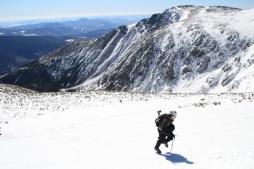 Mathieu en pleine ascension du Mont Washington.