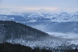 Sur la boucle du Mont Caribou avec vue sur les mines.